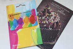 Maaliskuun yleisrinki. S-ketjun lahjakortti ihanan pirteissä väreissä. Ja herkullinen korttikin.