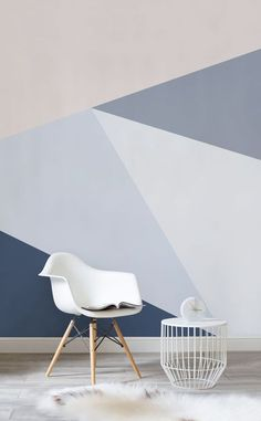 Want a sophisticated wallpaper that oozes style? This geometric wallpaper design showcases powder blues to striking denim hues. Varying shades help to add contrast and intrigue to your living room spaces. - Amazing Homes Interior Geometric Wallpaper Design, Geometric Wall Paint, Modern Office Decor, Home Office Decor, Home Decor, Living Room Decor, Bedroom Decor, Bedroom Wall Designs, Child Room