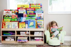 The Art of Making a Baby Front Facing Bookshelves: Creating a Green Playroom and Voracious Readers | The Art of Making a Baby_The Art of Making a Baby