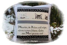 Lustiges  Katzen - Kissen mit Spruch schwarz/weiß  von Antjes Design auf DaWanda.com