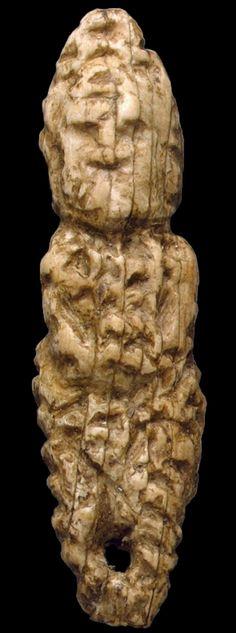 MALTE Figurine d'une femme Dimensions:.. Hauteur environ 4,4 cm Âge 22000 - 21000 années Paleolithic Period, Ancient Goddesses, Mother Goddess, Minoan, Human Art, Ancient Art, Venus, Sculptures, Malta Gozo