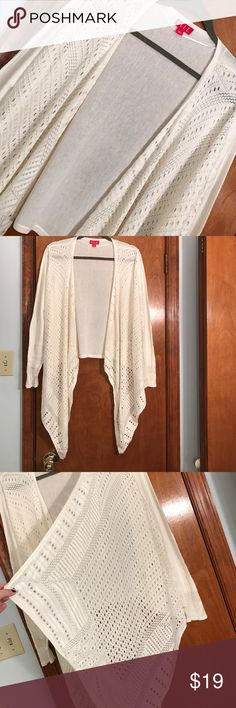 Elle size large women's cardigan! Elle, women's large, off white color, cardigan, long sleeve, worn maybe once maybe not at all, no flaws, perfect condition :) ELLE Sweaters Cardigans