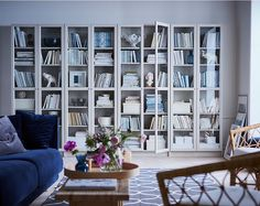 BILLY is a modern bookcase success story for a reason. Adjustable shelves adapt to all book sizes and OXBERG glass doors protect your literary treasure from dust, while giving BILLY – and your living room – an expression of timeless elegance.