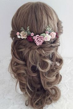Beautiful and Unique Wedding Headpieces from Etsy Wedding Hair Clips, Wedding Hair Flowers, Flowers In Hair, Flower Headpiece Wedding, Flower Hair Pieces, Wedding Veils, Boho Bridal Hair, Bridal Hair Pins, Vintage Bridal Hair