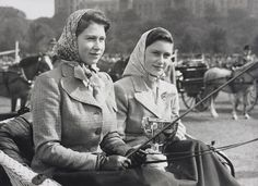 of Princess Elizabeth later HM Queen Elizabeth II, seated in a carriage alongside her sister Princess Margaret during the Royal Windsor Horse Show. Princess Margaret is holding a cup that the Princesses were awarded in the Private Driving Class. Princesa Margaret, Princesa Elizabeth, Duchess Of York, Duke And Duchess, Windsor, Lady Sarah Chatto, The Royal Collection, Her Majesty The Queen, Queen Mother
