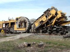 Worlds Largest Railway Construction Equipment Modern Technology, Awesome Powerful Railroad Machines Civil Engineering Design, Work Train, Union Pacific Railroad, Old Trains, Train Engines, Heavy Machinery, Heavy Equipment, Mining Equipment, Model Train Layouts