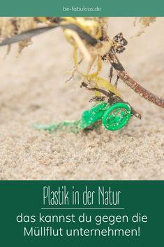 Tiere, vor allem Vögel und Meeresbewohner, sterben mit Plastik im Magen, aber auch im Menschen wurde inzwischen Plastikmüll nachgewiesen. Ich erzähle euch hier, was ihr als Einzelner gegen die Müllflut in der Natur und unseren Ökosystemen unternehmen könnt. #plastikfrei #müllsammeln #naturschutz #klimaschutz Turquoise Necklace, Environmentalism, Sustainable Ideas, Sustainability, Floating Deck