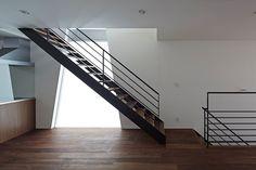 House in Tatemachi, Kitakyushu, 2013 - Masao Yahagi Architects #staircase