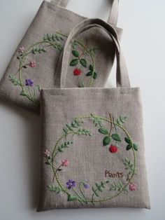 Marvelous Crewel Embroidery Long Short Soft Shading In Colors Ideas. Enchanting Crewel Embroidery Long Short Soft Shading In Colors Ideas. Embroidery Bags, Silk Ribbon Embroidery, Crewel Embroidery, Hand Embroidery Patterns, Cross Stitch Embroidery, Embroidery Designs, Embroidery Thread, Seed Stitch, Embroidery Techniques
