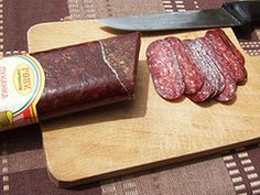 Common Bulgarian Sausage Varieties and Descriptions Bulgarian Sausages Recipes and Descriptions: Bulgarian Lukanka Sausage German Sausage, Best Sausage, Salami Recipes, Sausage Recipes, Bulgarian Recipes, Bulgarian Food, Parchment Paper Baking, Quick Recipes, Kitchen Recipes