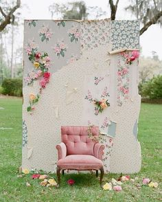 Loving the mixed wallpaper pattern and vintage chair for this snap! Photo via #BlueEyedYonder | #rentmyphotobooth