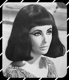 Scene where Lotus tries to poison Cleopatra. Elizabeth Taylor Cleopatra, Queen Cleopatra, Classic Actresses, One In A Million, Girl Power, Aurora Sleeping Beauty, Sexy Women, Hollywood, Mysterious
