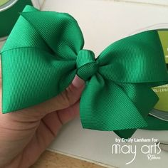 How To Make A Bow - Wholesale Ribbon - May Arts RIbbon Learn how to make a beautiful bow using online ribbon from May Arts Ribbon! Large Hair Bows, Ribbon Hair Bows, Diy Ribbon, Ribbon Flower, Fabric Flowers, Tying Bows With Ribbon, Crafts With Ribbon, Tulle Hair Bows, Paper Flowers