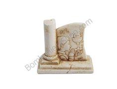 Bellissimo articolo per comunione raffigurante un bambino con un calice, in polvere di marmo di resina ricomposto a rilievo...
