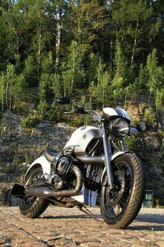 Motorcycle- BMW R1200C