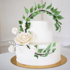 Consulta esta foto de Instagram de @delicatessepostres • 166 Me gusta Gum Paste, Wedding Cakes, Instagram Posts, Desserts, Deserts, Pictures, Wedding Gown Cakes, Tailgate Desserts, Cake Wedding