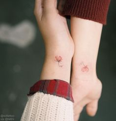 20 new friendship tattoos - tattoos - Minimalist Tattoo Bff Tattoos, Little Tattoos, Mini Tattoos, Foot Tattoos, Cute Tattoos, Tatoos, Group Tattoos, Petite Tattoos, Cherry Tattoos