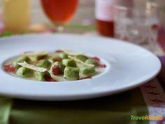 Gnocchi al basilico con brodo di pomodoro  #ricette #food #recipes