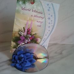 Making CD Stand for Holiday Cards Cd Stand, Sailing Boat, Holiday Cards, Glass Vase, Channel, Plastic, Youtube, How To Make, Decor