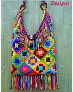Transcendent Crochet a Solid Granny Square Ideas. Inconceivable Crochet a Solid Granny Square Ideas. Hippie Bags, Boho Bags, Crochet Purses, Crochet Bags, Bead Crochet, Crochet Granny, Crochet Pattern, Sac Granny Square, Granny Squares