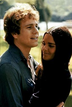 Ryan O'Neal & Ali Macgraw from the film Love Story 1970 Ryan O'neal, Love Story Movie, Movie Stars, Movie Tv, Ali Macgraw Love Story, Ali Mcgraw, Image Film, Films Cinema, Famous Couples