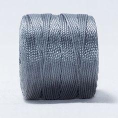 Hilo macramé gunmetal/gris metalizado. Beryllos: cuentas y abalorios. www.beryllos.es