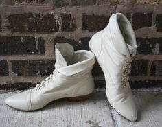 White granny boots These look non painful and in the spirit of regency! Combat Boots, Ankle Boots, Childhood Days, Cowboy And Cowgirl, Shoe Closet, Bird Houses, Regency, Suits For Women, Wedding Shoes