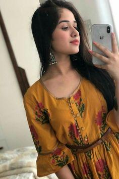 Escorts in Karachi Karachi Escorts Girl Stylish Girls Photos, Stylish Girl Pic, Beautiful Girl Photo, Cute Girl Photo, Girl Pictures, Girl Photos, New Girl Pic, Stylish Dpz, Cute Girl Poses
