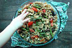 Asparagus, tomato and mushroom pasta salad
