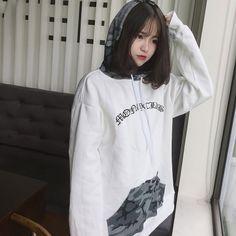 Pretty Girl of Asian - Smile Girl Beauty Pretty Korean Girls, Cute Korean Girl, Asian Girl, Ulzzang Short Hair, Ulzzang Korean Girl, Korean Girl Photo, Cute Girl Photo, Ulzzang Fashion, Korean Fashion