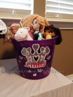 Personalisierte KinderEimer von GirlyDezine auf Etsy, $10.00 Zine, Nursery Storage, Plastic Laundry Basket, Organization, Vintage, Etsy, Decor, Craft Gifts, Getting Organized