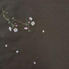 #벗꽃#벗꽃놀이 #야생화자수#자수#꽃#자수타그 램#embroidery#꽃뿌리영#봄꽃 이 꽃 너무좋죠..따뜻해지면서 만발해지는 벗꽃..우수수 떨어지는 꽃잎이 꽃눈이되어 날리면 기분이 최고..^^♡