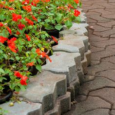 How to build a Retaining Wall With Landscape Blocks | Garden Club