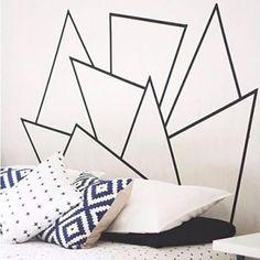 Pinterest: 8 idées pour se fabriquer une tête de lit Personnaliser notre tête de lit, c'est ce qui donne tout le cachet à notre chambre à coucher. Voici 8 idées de têtes de lit à construire soi-même.