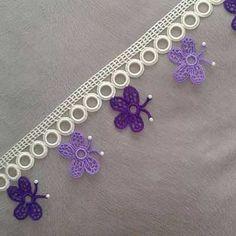 High Knee Crochet Slipper Boots Patterns to Keep Your Feet Cozy - Maria Crochet Trim, Filet Crochet, Crochet Lace, Crochet Flowers, Simply Knitting, How To Start Knitting, Easy Knitting, Lace Patterns, Jewelry Patterns