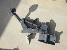 HMMWV Spare Tire Carrier, drop down - mechanical assist