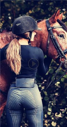 The bag is awesome! The bag is awesome! - Art Of Equitation Equestrian Girls, Equestrian Outfits, Equestrian Style, Equestrian Fashion, Riding Breeches, Riding Pants, Estilo Cowgirl, Lady Godiva, Sexy Cowgirl