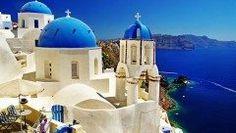 高知県にありながらエーゲ海に行ったような気分になれるホテルがあります そのホテルがヴィラサントリーニ ギリシャの人気観光地サントリーニ島の雰囲気を再現したホテルです このホテルの魅力は外観から内装までオシャレなこと カップルや夫婦での旅行に最適ですね ギリシャ料理も楽しめますよ tags[高知県]
