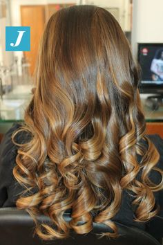 Caramel Shades _ Degradé Joelle #cdj #degradejoelle #tagliopuntearia #degradé #igers #shooting #musthave #hair #hairstyle #haircolour #longhair #ootd #hairfashion #madeinitaly #wellastudionyc Long Layered Hair, Long Curly Hair, Curly Hair Styles, Messy Hairstyles, Pretty Hairstyles, Gorgeous Hair, Love Hair, Joelle, Luscious Hair