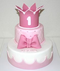 Taart 1 jaar Pretty Pink Princess, Pink Princess Party, Princess Birthday, 1st Birthday Party For Girls, Birthday Cake, Afternoon Tea Parties, Cake Designs, First Birthdays, Cake Recipes