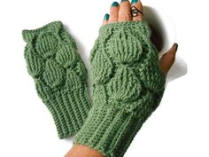 Your place to buy and sell all things handmade Fingerless Gloves Knitted, Crochet Gloves, Knit Mittens, Unique Christmas Gifts, Unique Gifts, Christmas Ornaments, Green Gloves, Hand Knitting, Knitting Patterns