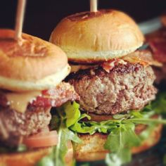 Thursday nights are Burger & Cab night at Carbon Beach Club! Join us from 5:30-10 every Thursday night for a delectable burger, a select cabernet and the best view in Malibu!