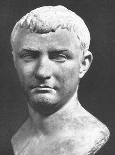 Tiberio fue emperador del Imperio romano. Fue el segundo emperador de Roma y perteneció a la dinastía Julio-Claudia. Era hijo de Tiberio Claudio Nerón y Livia Drusilla. Reformó la ley militar y creó nuevas legiones.
