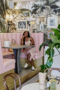 Mandy's Salad bar Salad Bar, Instagram Worthy, Getting Old, Montreal, Gallery Wall, Decor Ideas, Restaurant, Home Decor