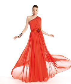 Pronovias te presenta su vestido de fiesta Tamar de la colección Fiesta 2014. | Pronovias