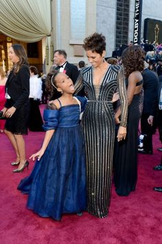 Quvenzhané Wallis and Halle Berry; okay this is cute