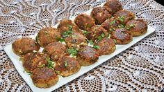 Chakhle Shami Kebab Recipe - Aditya Bal learns how to make authentic Mughlai shami kebab in the land of Taj Mahal- Agra! Indian Food Recipes, Ethnic Recipes, Special Recipes, Great Recipes, Shami Kebab Recipes, Snack Platter, Korma, Chutney, Kitchens