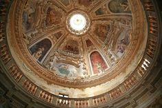 Looking up to the gallery which was once suppose to have an oculus just like Pantheon. Home - Villa Almerico Capra