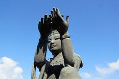 There are 7 essential Buddhist mudras that you need to know. These are the mudras that the Buddha taught and they are essential for all practicing Buddhists.