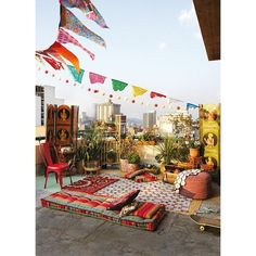 Beautiful Bohemian Outdoor Spaces ❤ liked on Polyvore featuring home, outdoors, outdoor decor, outside garden decor, outdoor patio decor and outdoor garden decor